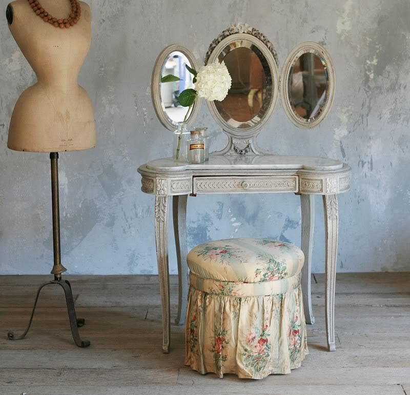 creativemuggle:  Antique French vanity.