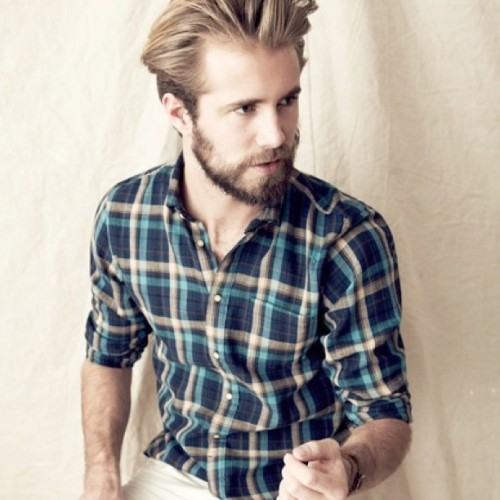 greeksagapo:  Nice flannel  かわいい #rugged #plaid #man #weheartit #gay #fashion #facialhair #beard #style (Taken with Instagram at The World of Fashion)