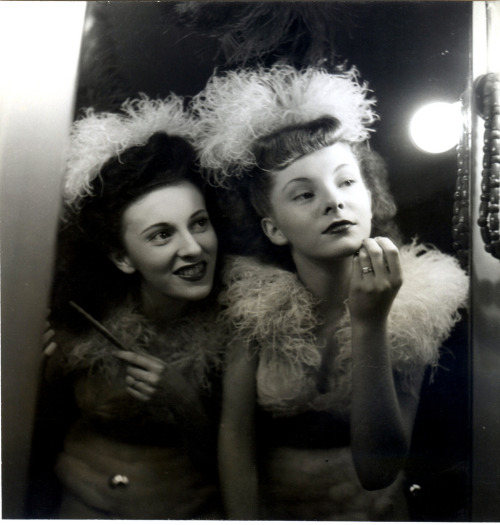 mudwerks:  french chorus girls (by unexpectedtales)