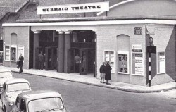adventures-of-the-blackgang:  London, Mermaid Theatre, Upper Thames Street