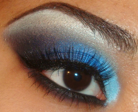 Bold Light to Dark Blue Smokey Eyeshadow Tutorial Using   Coastal Scents 88 palette here  http://youtu.be/hOk5bGNfZC8   you can see more of my tutorials here   http://www.youtube.com/user/makemeupbywhitney