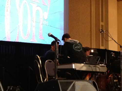 tonystarksaslytherin:  Darren Criss rehearsing for AVPSY today at LeakyCon.