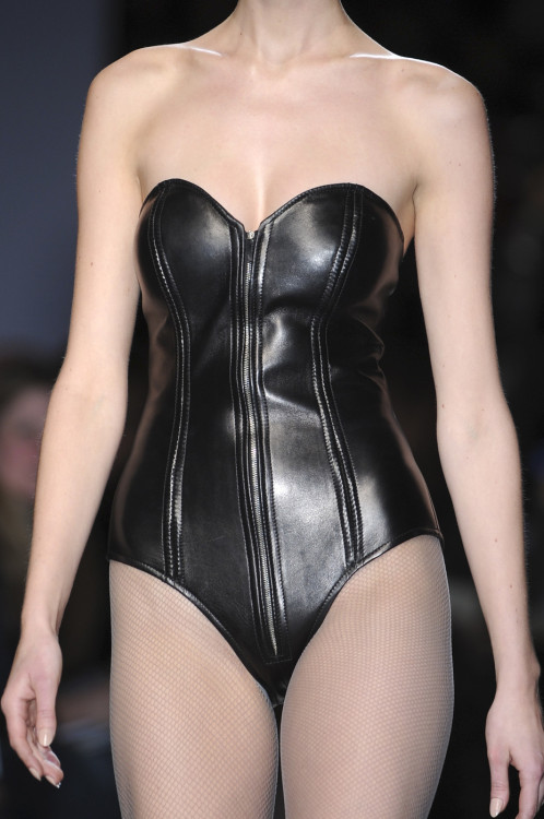 cokemoss:  yves saint laurent fall 2009