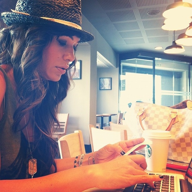 working on starbucks! happy day! (Tomada con Instagram)