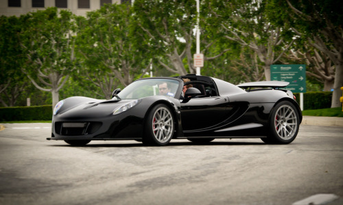 Always trying to kill you Starring: Hennessey Venom GT Spyder (by Bernardo Macouzet Photography)