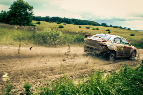 Don't stop for any reason Starring: Mitsubishi Lancer EVO X (by Jaunozolins)