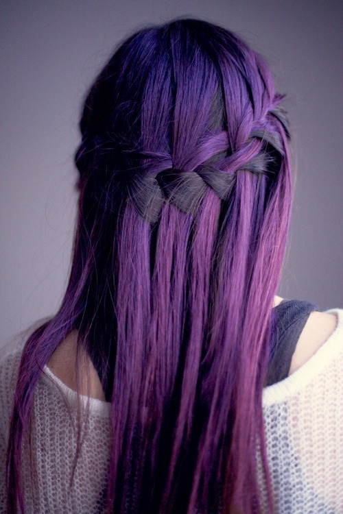 So pretttttyyy Would it be crazy of me to dye my whole head purple or blue….?