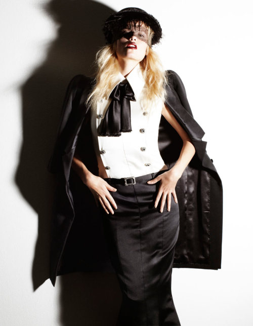 coffee-and-fashion-magazines:  Natasha Poly for Vogue Spain November 2011 by Greg Kadel
