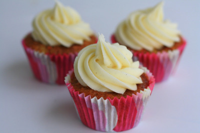 Carrot cupcakes by artsyqt44 on Flickr.