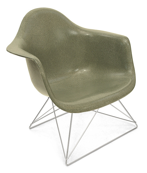 (via Fiberglass Shell Chair - Arm Shell Low Rod Base - Modernica)