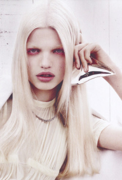 Daphne Groeneveld/Vogue China February 2012