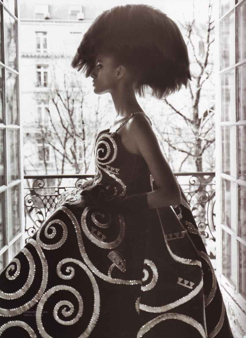 """Couture Culture"" (+) L'Officiel India, March 2008 photographer: Prabuddha Dasgupta Lakshmi Menon"