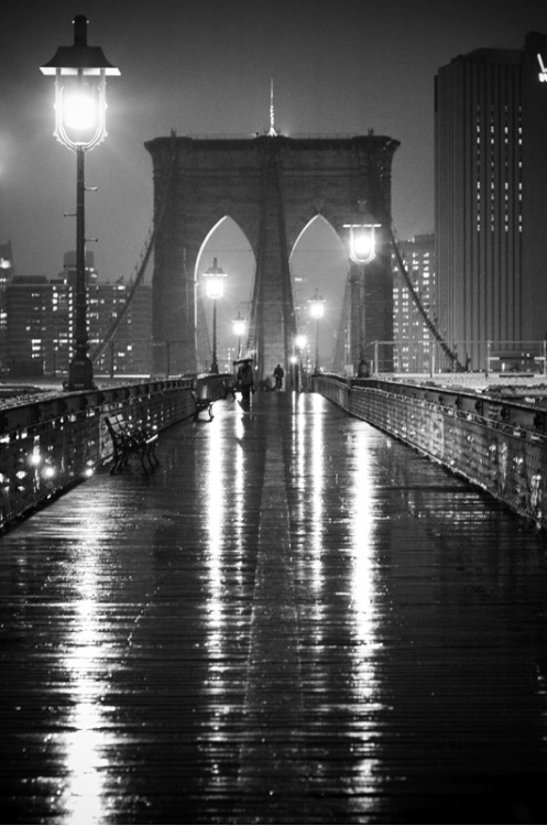 gacougnol:  Brooklyn Bridge by Oleg Lugovskoy
