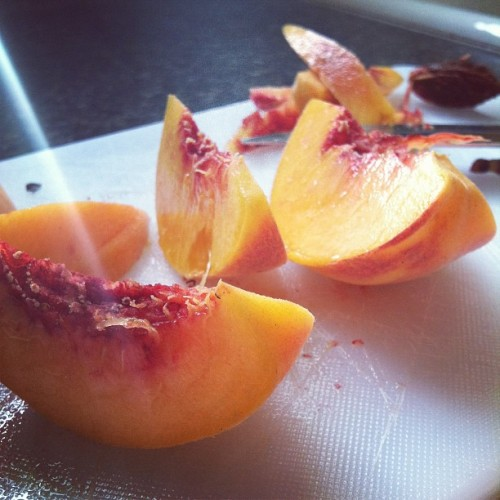 ccc0urtney:  Mm, fresh peaches. (Taken with Instagram)