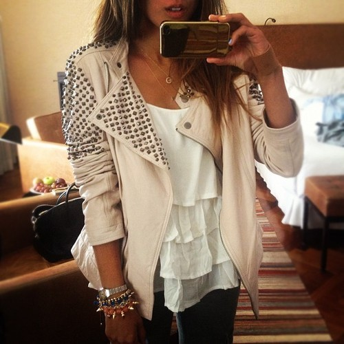 baddecisionsbutgoodintentions:  b4c4rdi:  the jacket ugh  Reblogged via Stumblr