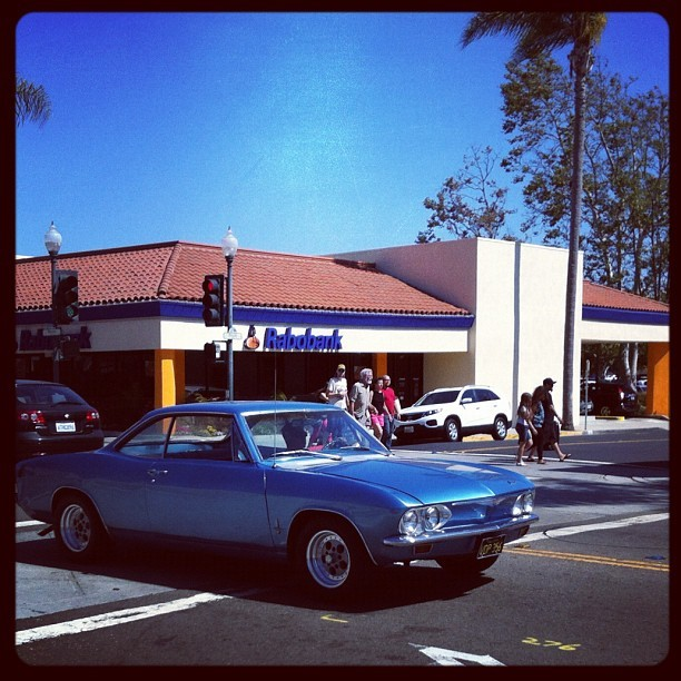 Car in downtown #Ventura. #mainstreet #car  (Taken with Instagram)
