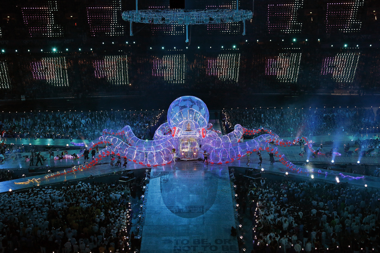 Musician Fatboy Slim performs during the closing ceremony of the London 2012 Olympic Games at the Olympic Stadium [REUTERS/David Gray] FULL COVERAGE: The London 2012 Summer Olympic Games