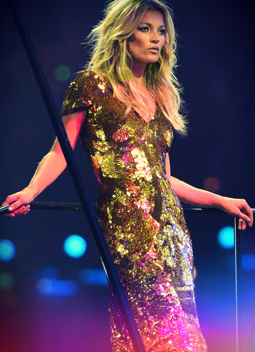 monsieur-j:  Kate Moss in Alexander McQueen - London 2012 Olympic Closing Ceremony