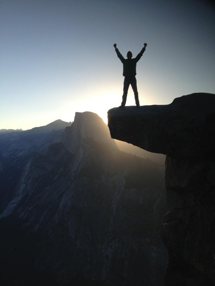 fuckyeahhiking:  Glacier Point, Yosemite. Sunrise w/Half Dome in background