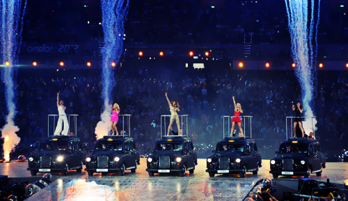 olympicsusa:  Spice Girls perform at the 2012 London Olympics Closing Ceremony