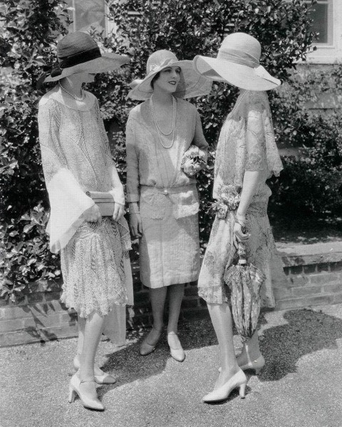 alicedearest:  1920s Garden Party  Look at all those Lady Marys!