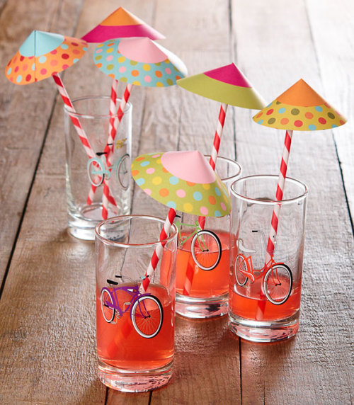 polkadotcity:  (via How-To: Paper Drink Parasols @Craftzine.com blog)