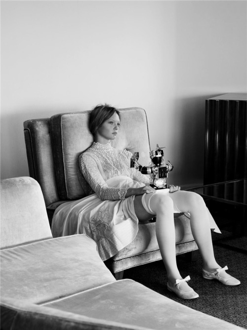 """Organized Robots"" Sasha PivovarovabyStephen Meisel for Vogue Italia, March 2006... No.1 @MODNE|facebook."