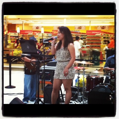 Performing at Seasons Marketplace at Landess, Milpitas, CA 8.12.12 #music #musician #igers #dianedemesa #liveband #seasons #marketplace #milpitas #seafoodcity  (Taken with Instagram)