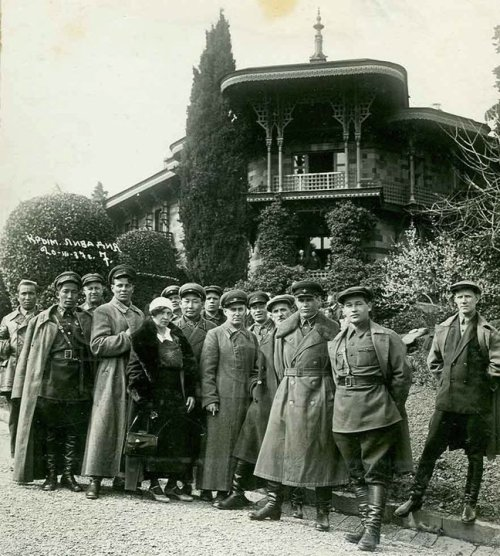 zolotoivek:  Agents of the NKVD on vacation in the Crimea, 1937.