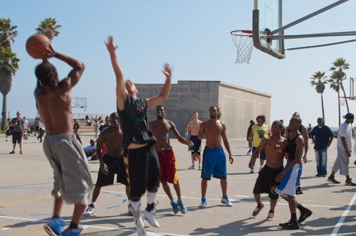 Countries that excel in basketball are at least 60% urban. Coincidence? Check out our new post.