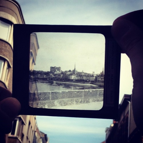 #antique #polaroid #parisian #paris #city #negative #blackwhite #igsg #instagrammers #instahub #instagood #instamood #instabru #brunika #jj #webstagram #ipopyou #iphoneonly #iphonesia (Taken with Instagram)