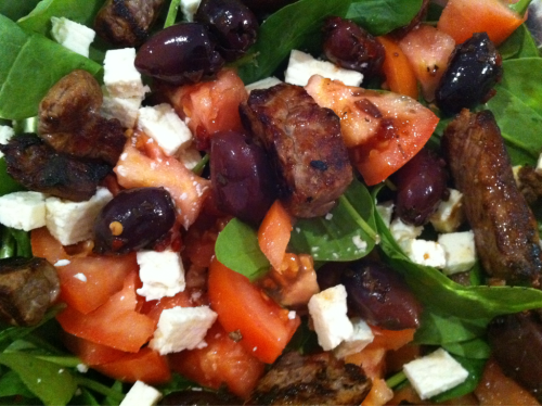 A delicious steak, feta, tomato, olive, spinach salad.  Get in ma belly (and make me skinny, pa-leasssssssse)