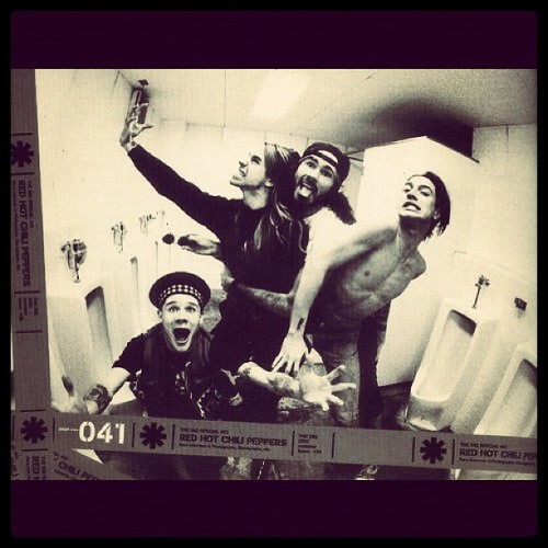 anne-jambssm:  #rhcp  (Taken with Instagram)