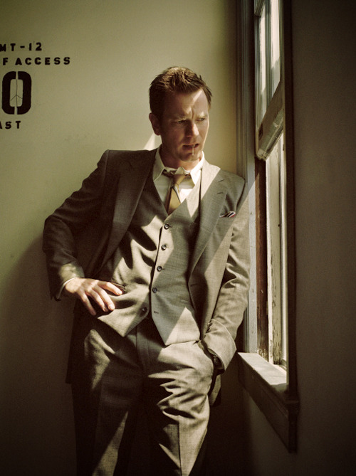 something-left-to-love:     Ewan McGregor   Ummm, again with the three piece.   Hello there.