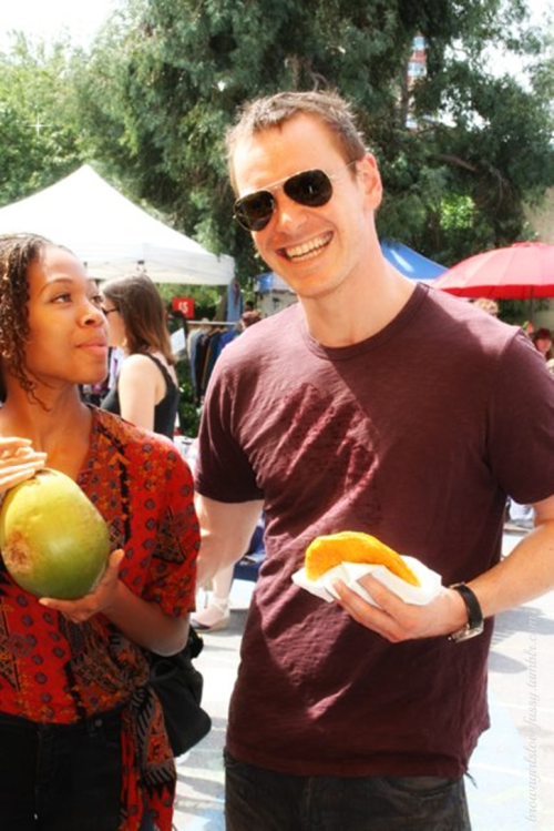 Michael Fassbender and his girlfriend Nicole Beharie at Benjamins the Caribbean restaurant on Saturday August 11 in London. And they were around all August (see here and here) How come I never met him???