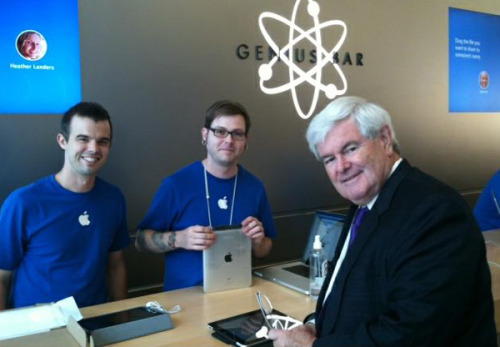Jim and Ryan from the Genius Bar in Washington, D.C.'s Georgetown Apple store have their very first endorsement — from none other than Newt Gingrich.The former Speaker of the House tweeted a photo Thursday morning with the two employees after they rushed to his iPad's rescue. Awkward smiles all around