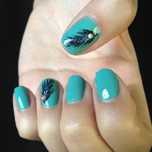 #feather #nailart inspired by @dndang 💙 (Taken with Instagram)