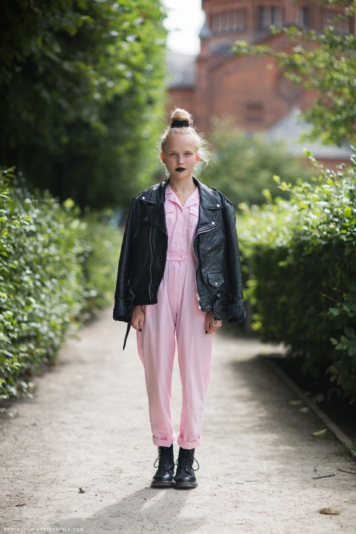 calivintage:  emelie photographed by stockholmstreetstyle.  wanna write a love letter to this perfect jumpsuit.