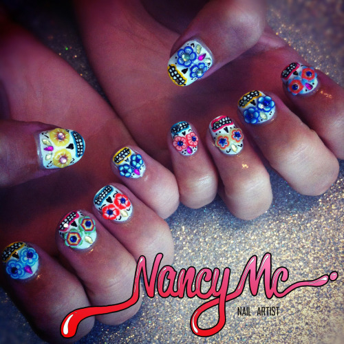 nancymcnails:  ❀❁❃ Day of the Dead Skulls! ❀❁❃