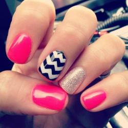 materialgirl:  MG Nailspiration: Mix It Up!http://bit.ly/xMVHyH
