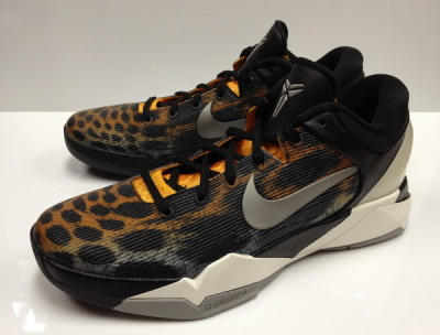 Releasing on August 25th is the 2nd jungle-cat inspired color-way of the Zoom Kobe VII. This installment is a much more toned down color-way in comparison to the Christmas Kobe VII. The official color-way is Circuit Orange/Medium Grey/Black/Sail. Retail price is set at $140 but if you wear a size 9 you can get your pair a few weeks early from Air-Knight.com.