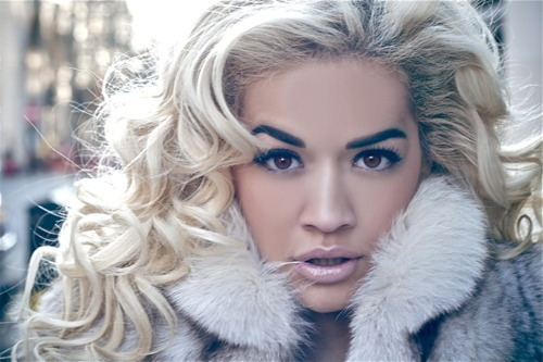 "Rita Ora is ready to drop ""Ora"" on August 27th, paying BBC Radio 1 a visit ""Live Lounge"". The Roc Nation's protege performed an acoustic set including ""How We Do Party"" and a cover of One Direction's ""What Make You Beautiful"". Hear Ora's twist on the bands mix! [click to listen/watch]"