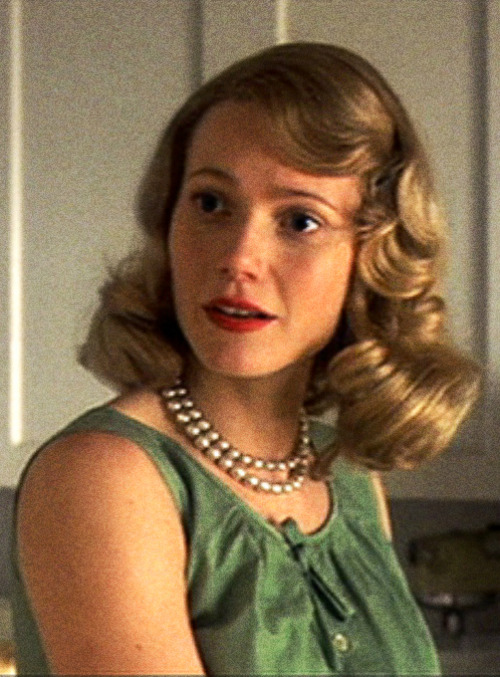 Gwyneth Paltrow as Sylvia Plath- Sylvia (2003)