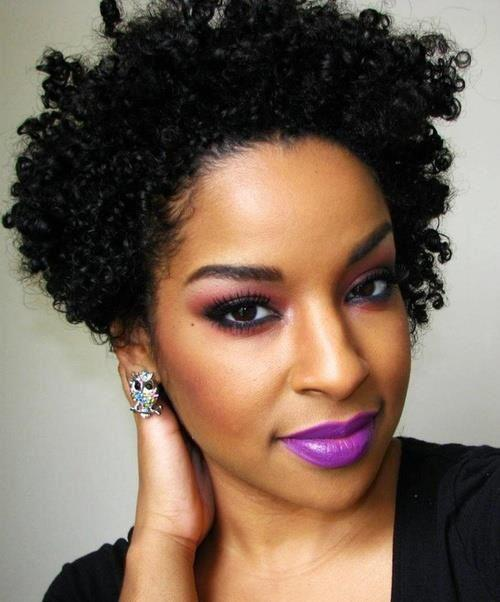 tallbeautie:  fashiontolive:  natural curls  Hair on point!!