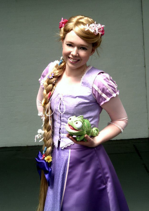 captainameliaetc:  One of my favourite photos of me as Rapunzel at LFCC!Costume handmade and wig styled by me; photo thanks to Bryony.