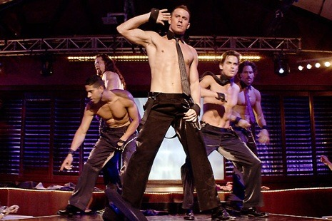 "newyorker:   I've written here and in the magazine in praise of ""Magic Mike,"" Steven Soderbergh's exhilarating yet analytical, stylish yet finely observed quasi-musical drama set in the milieu of male strippers in Tampa. Thomas Sotinel, a film critic at Le Monde, shares this enthusiasm, and offers, today, at his blog on the newspaper's site, a superb interview with Soderbergh in which the filmmaker fills in some notable details regarding the film's production…  - Richard Brody Click-through to read about ""Magic Mike"" from the film's director, Steven Soderbergh: http://nyr.kr/MrZ7Ma   You should go see it if you haven't!"