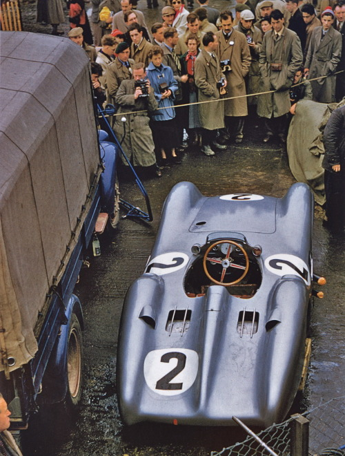 automotiveporn:  1954 British GP, Karl Kling's Mercedes Benz