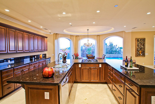 forever-and-alwayss:  loveee this kitchen ! <3