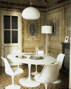 Mixing modern and classic 18th century interior design in this Italian guest house. More info below: Mixing Modern and Classic: Casa Orlandi Guesthouse