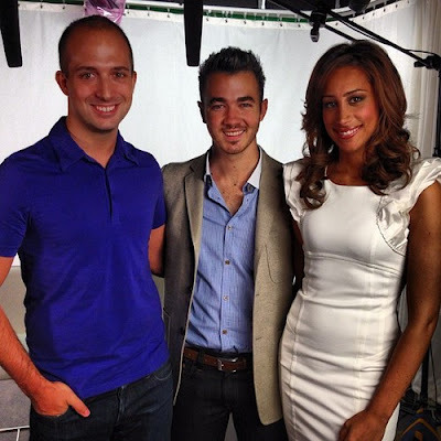 @zachjohnson: Just interviewed the delightful @kevinjonas and @daniellejonas about their new E! reality show.